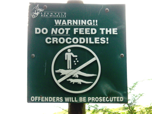 28-june-2010-st-lucia-hippos-sign-do-not-feed-crocs.JPG