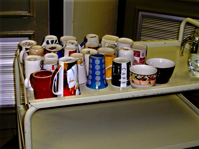 29-june-2010-waaiting-pictures-varied-cups.JPG