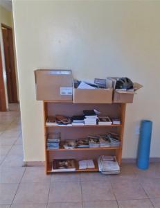 19Jul14 - HI - The neat bookcase
