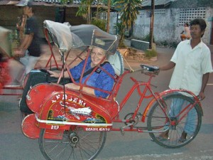 Motorcycle - Mary in Becak