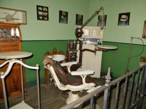 oct14 - Kim - Dental office