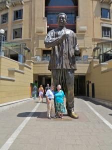 feb15 - Mandela Square - Us Statue