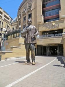 feb15 - Mandela Square - statue